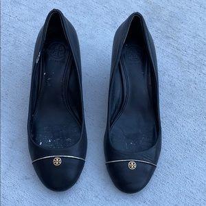 Tory Burch 6.5 Fir 6 Wedge Black Gold Shoes